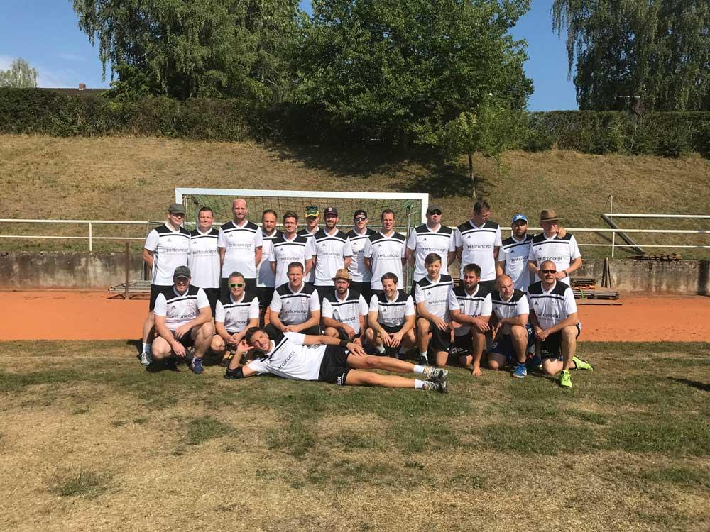 zeitconcept sponsert Handballteam Oberviechtach