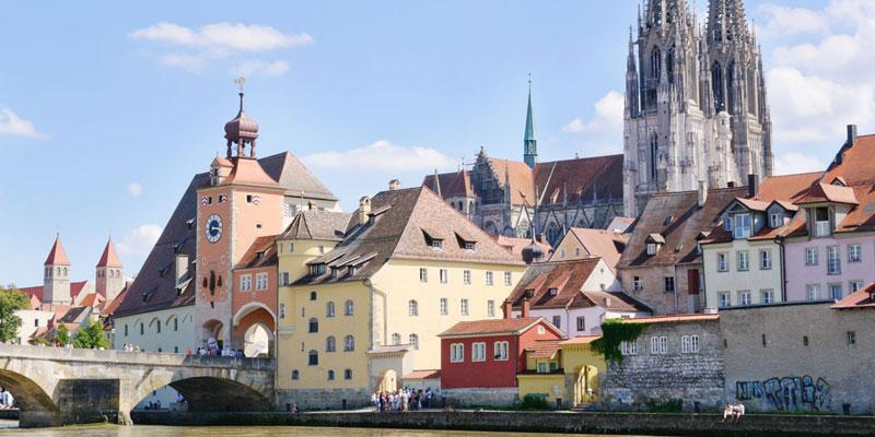 Steinere Brücke, Altstadt und Dom von Regensburg